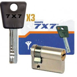 1/2 cylindre Mul-T-Lock 7x7 42,5 mm panneton réglable